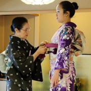 Toshie Hasada Dresses a Woman in a Kimono at Japan House